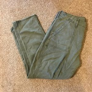 American Eagle Olive Pants -perfect condition-